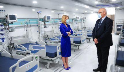 Unitățile mobile de Terapie Intensivă cumpărate și echipate cu aparatură medicală de Fundația Mereu Aproape au intrat în dotarea rezervei naționale de protecție civilă
