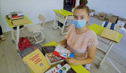 111 copii afectați de pandemie din 11 județe ale țării au primit cărți și rechizite cu sprijinul Sika România și al Fundației Mereu Aproape